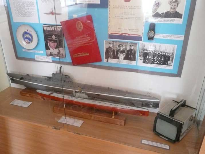 Scale models of Soviet Zulu and Whiskey class submarines
