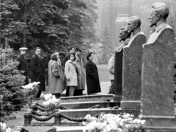In 1961 Stalin was buried ar the Kremlin Wall Necropolis