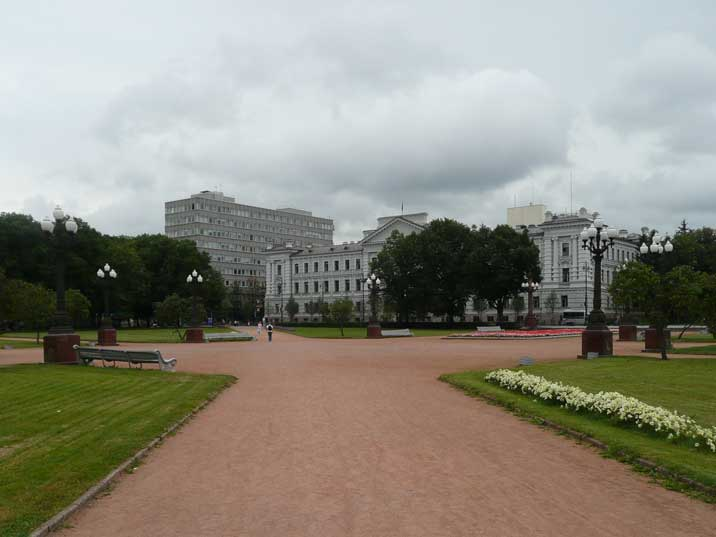 Lukiskiu Square where a Lenin statue used to be in the middle