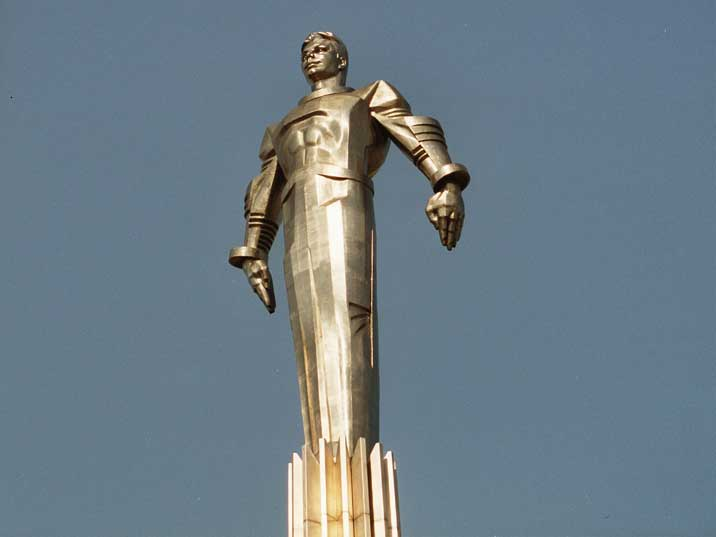 Monolithic stainless steel statue of Yuri Gagarin in Moscow
