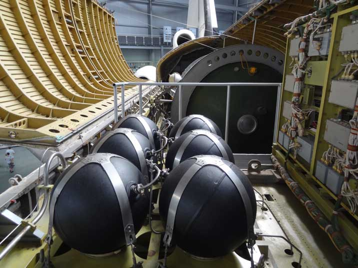 Spheres in the Buran Cargo Bay that probably contain oxygen or other gasses