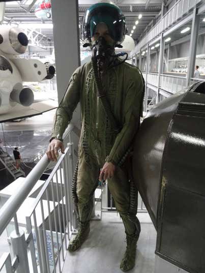 The KKO-5 pressure suit was introduced for pilots of Mach 2 aircraft such as the MiG-21 and Su-9 at the beginning of the 1960s