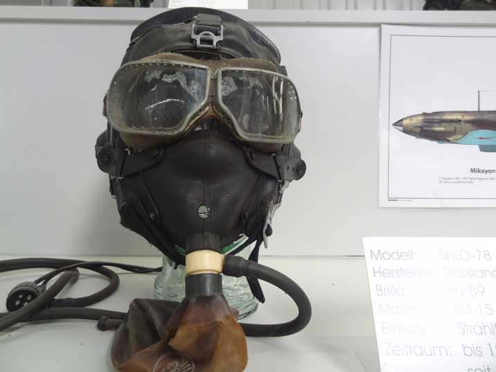 Soviet ShLO-78/82 Pilot Helmet with Ya-89 visor and KM-15 Mask used between 1982 and 1986