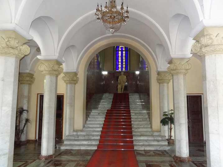 An impressive marble staircase leads to the main exposition of the Stalin Museum on the first floor of the building