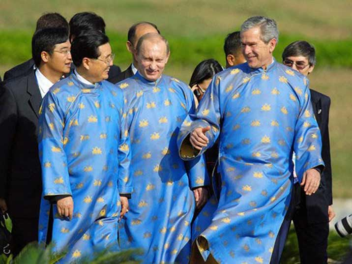 Putin with Bush and Hu in traditional Chinese dress